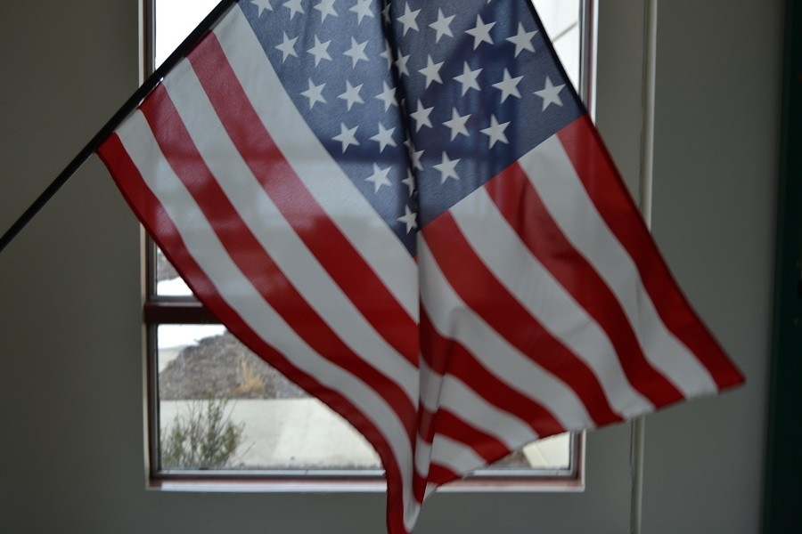 Do+you+stand+for+the+Pledge+of+Allegiance%3F++This+writer+believes+you+should.