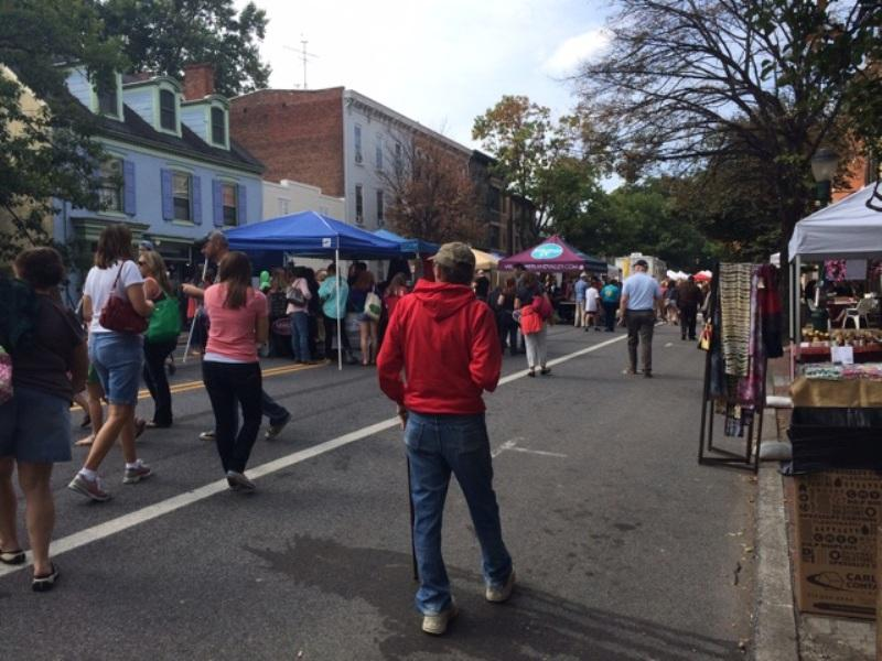 Hundreds of people explored the Harvest of the arts festival to enjoy food, entertainment, cars, crafts and more
