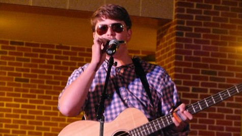 Overflowing with Talent: Coffeehouse returns for First Cup