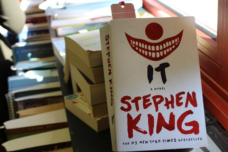%22It%22+by+Steven+King+is+a+horror+novel+about+a+dark+entity+terrorizing+the+town+of+Derry.+This+book+was+recently+adapted+into+a+successful+movie.