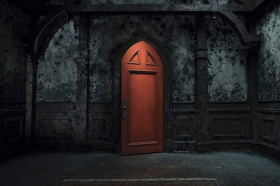 The+wooden+door%2C+with+the+dark+colored+walls+adds+to+the+horror+factor+of+the+show.++The+Haunting+of+Hill+House+began+streaming+on+Netflix+Oct+6.++